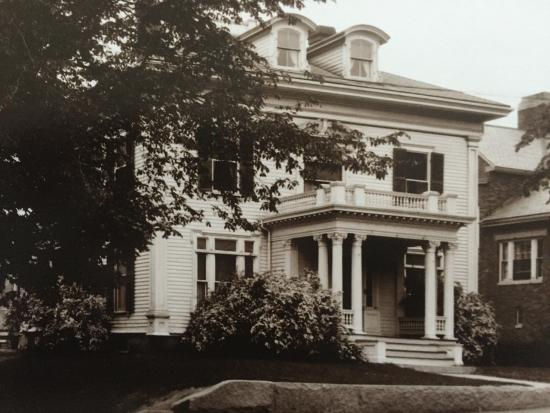 Julietta House: Adeline Proctor's House 1931 cFredrik Bodin
