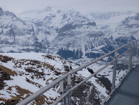 Grindelwald, Svizzera: View from the side of the cliff walk