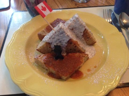 Golden Dreams B&B: Peak 2 Peak French Toast for the great start of the ski holiday.