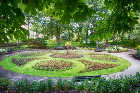 Entrance To Portland Rose Gardens : Entrance to the rose garden picture of ashton gardens