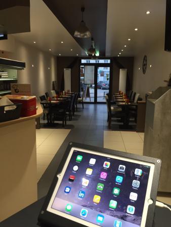 Pacy-sur-Eure, Francia: La salle du restaurant