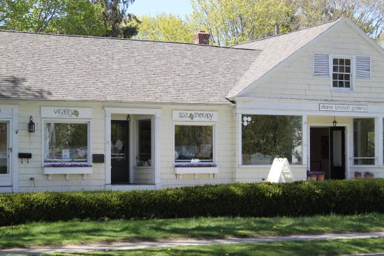Cute spa based in the historic district of Old Lyme, CT