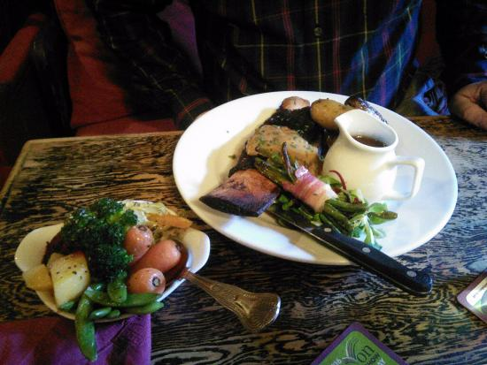 Dalwood, UK: Slow braised beef