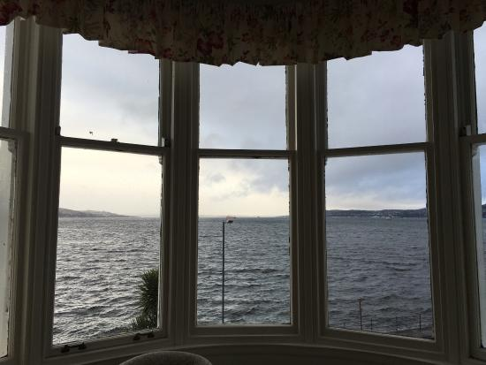 Hunters Quay Hotel: 4-poster bed room. Great stay and views, no matter the weather.