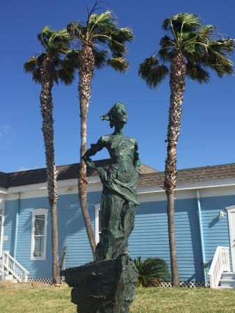 Rockport, TX: Jane DeDecker, Into the Wind