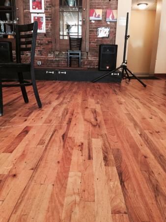Acoustic Cafe: Cute floor
