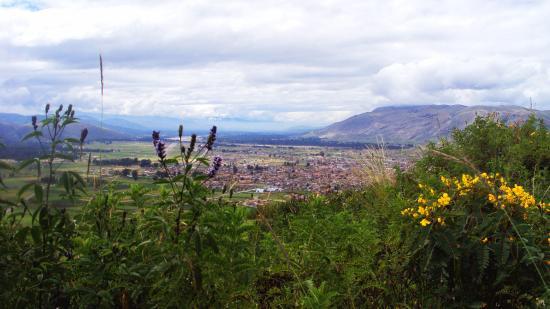 El Valle del Mantaro: Vista del anchuroso valle del Mantaro desde las alturas de Jauja