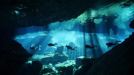 Bahia Divers: Cenote Chac Mool