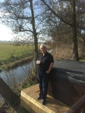 Burgh St Peter, UK: Morning coffee next to the hot tub and dyke