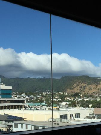 Alan Wong's Restaurant: view from the lanai