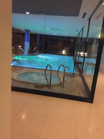 Jacuzzi indoor  Jacuzzi & indoor pool - Bild von Madeira Panoramico Hotel, Funchal ...