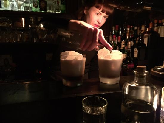 Bellmann Bar: Lili mixing it up.