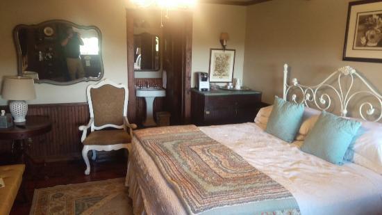 Gruene Mansion Inn Bed & Breakfast: IMAG0101_large.jpg