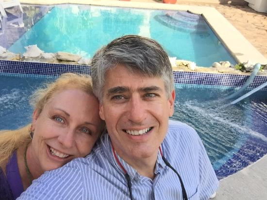 IslaMar Vacation Villas: Sitting by the hot tub