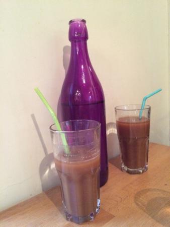 Le Petit Dakar: Delicious juice from baobab fruit