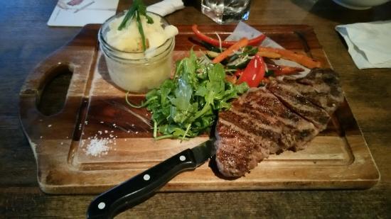 Сюррей, Канада: Sirloin Steak and Teryaki Chicken Bowl