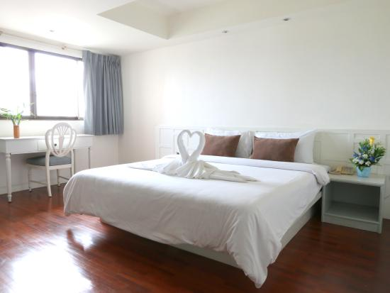 deluxe room picture of mike hotel pattaya tripadvisor rh tripadvisor com