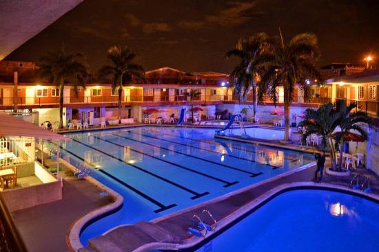 月光旅遊飯店