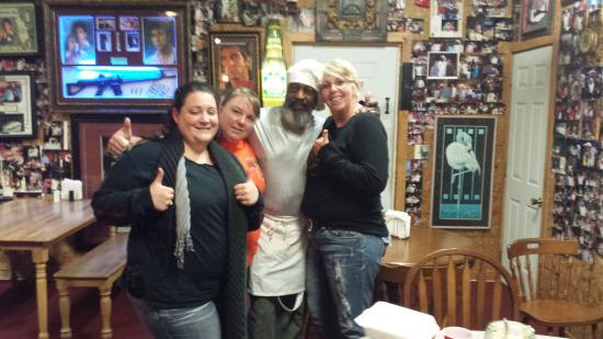 Townsend, GA: Michelle, Renee, Chef Jerome & Kristie