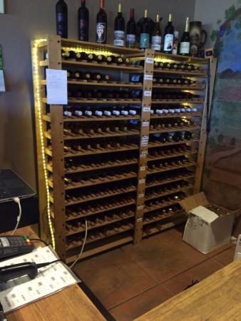 Elgin, Arizona: lots of wine for sale