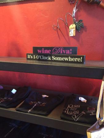 Elgin, Arizona: lots of t shirts for sale