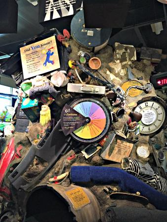Roseville Utility Exploration Center: A fun display to teach about throwing away vs recycling
