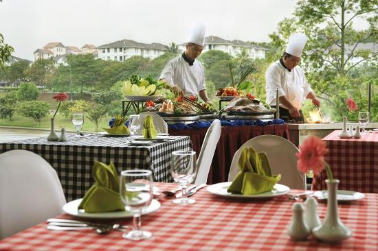 RHR Hotel at Universiti Tenaga Nasional: BBQ