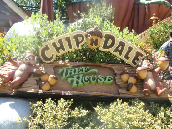 ‪Chip 'n Dale Treehouse‬