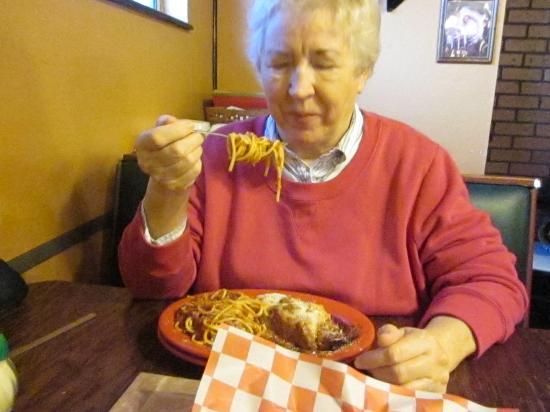 Sebring, FL: Chowing Down
