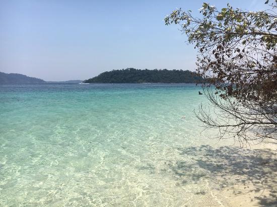 Satun Province, Ταϊλάνδη: น้ำเลใสมาก สวยมาก