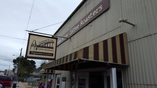 Siuslaw River Coffee Roasters : Lots of parking just a few blocks away.