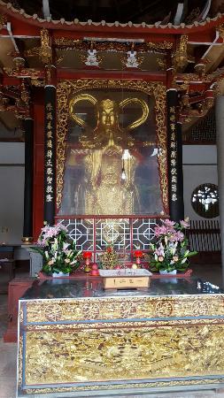 Putian Meifeng Temple: Inside the temple area