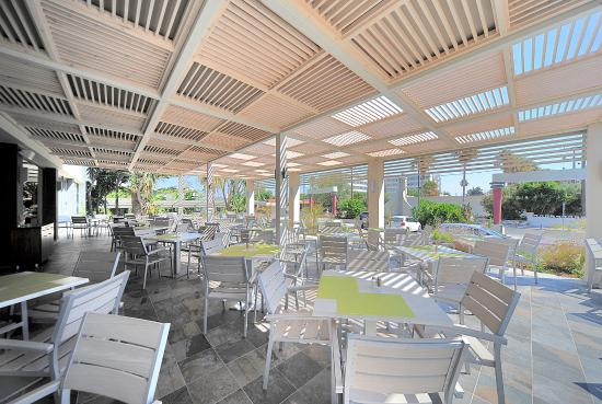 Apollon Hotel: terrace restaurant