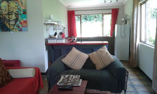 Lemonwood Cottages : Oribi cottage lounge