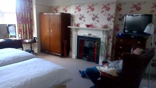 Bryn Holcombe: Lovely bedroom