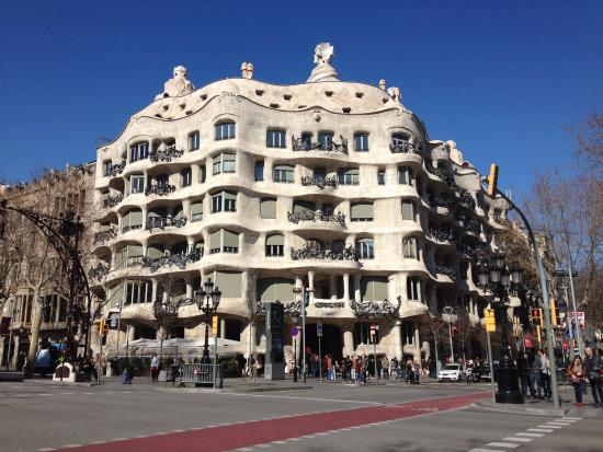 La pedrera a k a casa mila barcelona picture of casa mila la pedrera barcelona tripadvisor - Casa mila la pedrera ...
