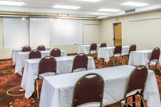 Clarion Inn: Conference