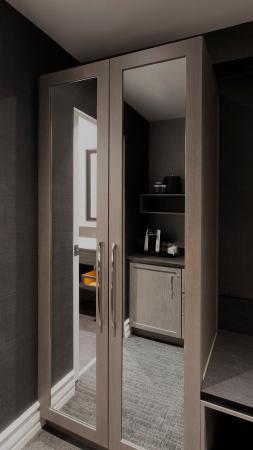 Hotel Manoir Victoria: Chambre Detail C