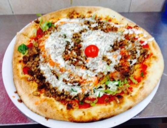 Mounir - Pizzeria & Kebab: pizza kebab 2