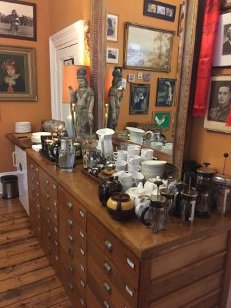 Brooklyn Arts Hotel: Lovely selection of teas, coffee, jams & spreads