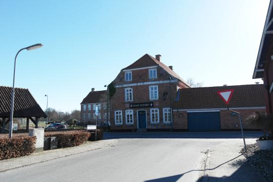 Gram Slotskro Restaurant