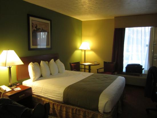 very comfortable king bed picture of best western southlake inn rh tripadvisor com