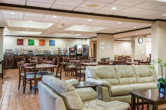 Comfort Inn Near Greenfield Village: Breakfast