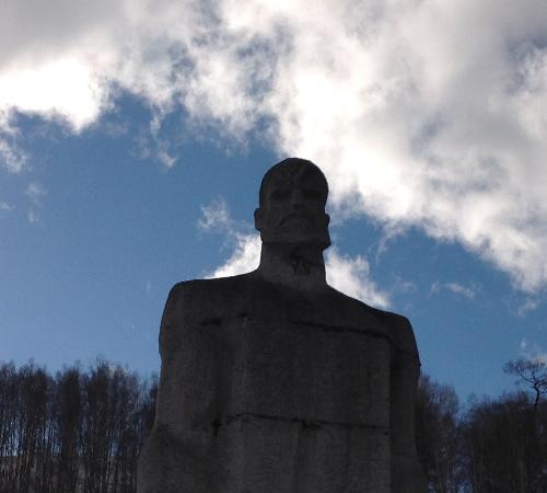 Памятник жертвам расстрела 1903 года златоуст ритуальные услуги памятники цена за