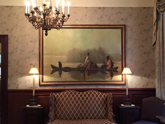 lovely painting in the lobby picture of le richelieu in the rh tripadvisor com
