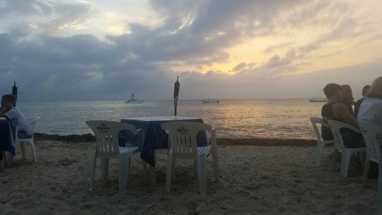 Alberto's Beach Bar Restaurant : 20160323_184813_large.jpg