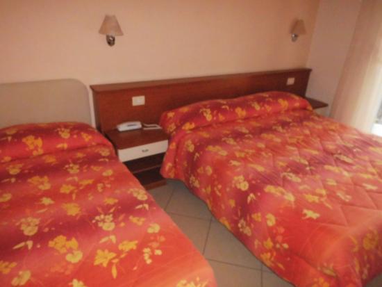 Hotel Feldberg : Unser Zimmer, klein aber sauber.
