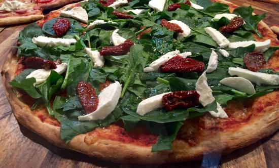 Pizza Pazza: Pizza Spinaci Mozarello Tomate seco