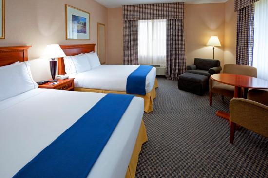 Rensselaer, Нью-Йорк: Two Queen Bed Guest Room
