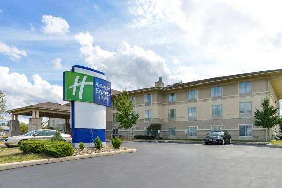Greenville, OH: Hotel Exterior